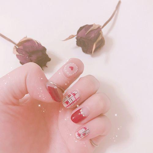この秋、大本命のネイルはコレ♡≪BURBERRYネイル女子≫急増中!のサムネイル画像