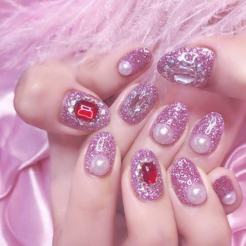女の子はピンクが好き♡可愛い【ピンク×キラキラネイル】をご紹介!のサムネイル画像