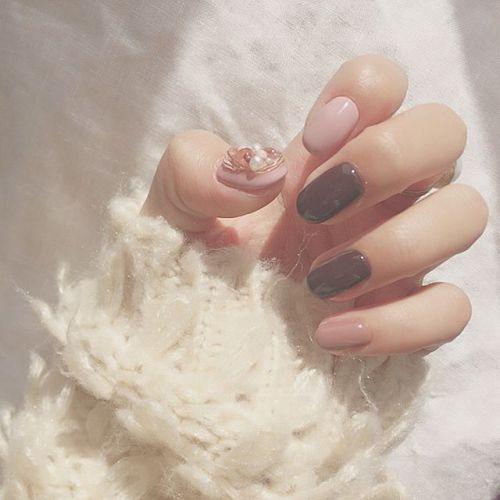 色気は細部に宿る♡【艶×色気ネイル】で指先から色っぽ美人にのサムネイル画像