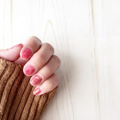 【ミーハー女子必見】ムラ塗りネイルで、トレンド爪を手に入れよ♡のサムネイル画像