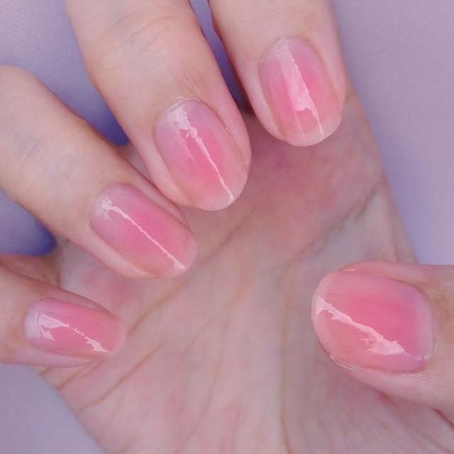 指先から色気が滲み出す♡女はピンクのマニキュアで勝負でしょ!のサムネイル画像