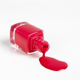 女子力UP!指先を華やかに演出できる赤のマニキュアを使ったデザインのサムネイル画像