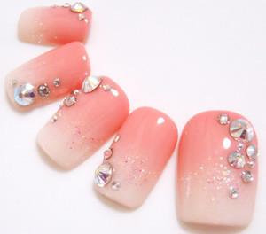 女性らしい指先に!ピンクのグラデーションネイルおすすめカタログ♡のサムネイル画像
