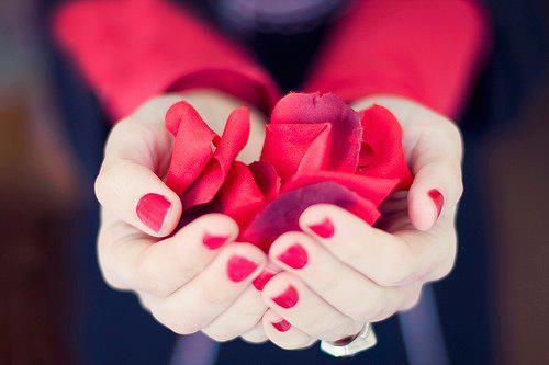爪にやさしいケアをしよう☆爪やすりの選び方と使い方まとめのサムネイル画像