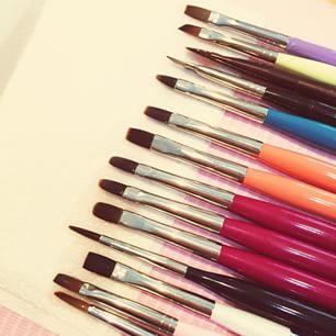 【セルフネイラーさん必見!】ジェルネイル用筆の基本の使い方♡のサムネイル画像