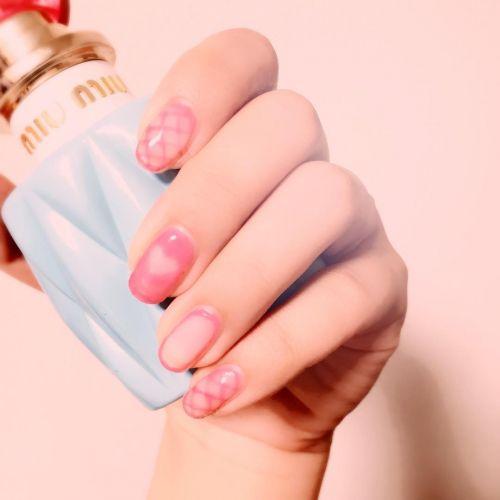 《網タイツ柄》でイイ女♡2017夏のホットネイルはLOVELY&COOL!のサムネイル画像