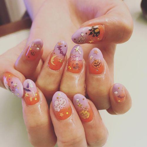 楽しいイベントは爪先から♡秋の《ハロウィンネイル》特集!のサムネイル画像