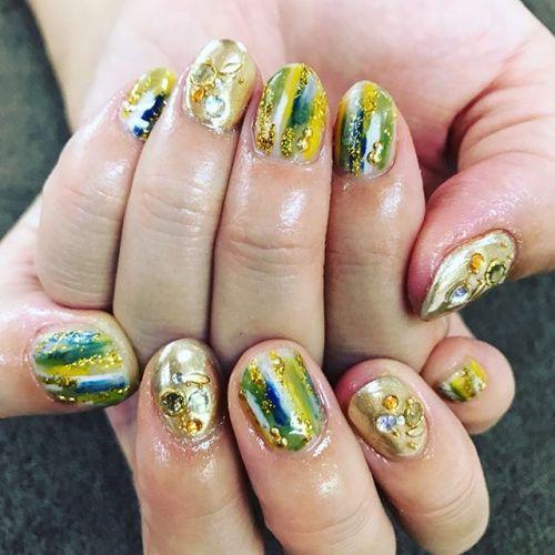 指先からトレンド意識!2017年秋【流行カラー別ネイル】♡のサムネイル画像