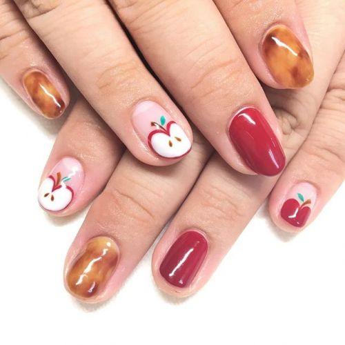 真っ赤でかわいい♡食べたくなっちゃう【りんごネイル】を楽しもう!のサムネイル画像
