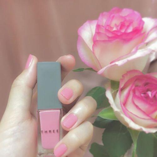 とびきりガーリーに!冬も【ピンクネイル】で可愛く過ごそう♡のサムネイル画像