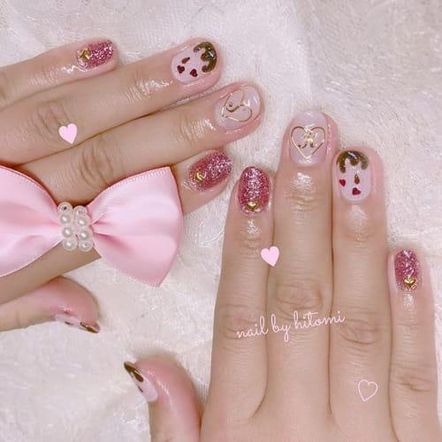 甘かわデザインが豊富♡バレンタインネイルであざとっぽさを指先にのサムネイル画像