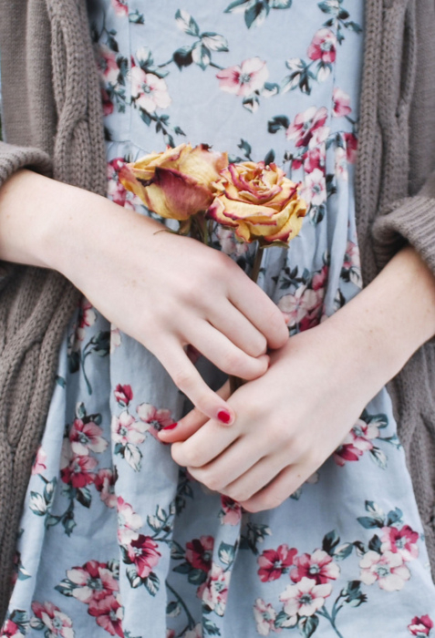 指先のおしゃれ諦めていませんか?深爪さんでもネイルが楽しめます♡のサムネイル画像