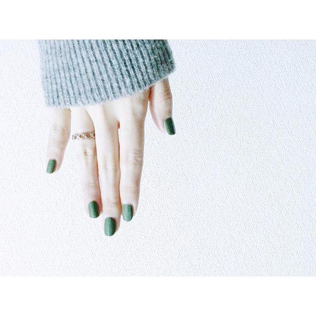 大人女子必見♡大人可愛いネイルで指先を華やかに魅せる♡♡のサムネイル画像