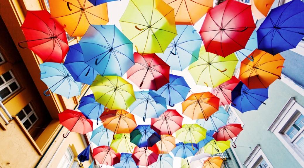 可愛いの象徴!色とりどりのカラフルネイルを特集しちゃいます!のサムネイル画像