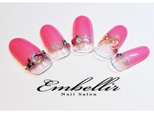 華やかな指先を演出!ショッキングピンクの可愛いネイルカタログ♡のサムネイル画像