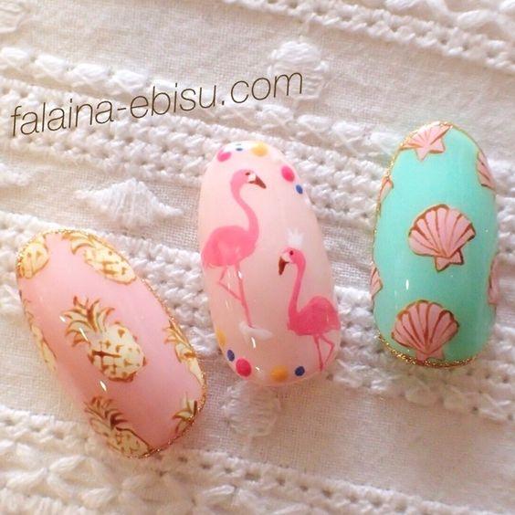 夏ネイルどうする!?トロピカルで陽気なフラミンゴ柄が絶対可愛い♡のサムネイル画像