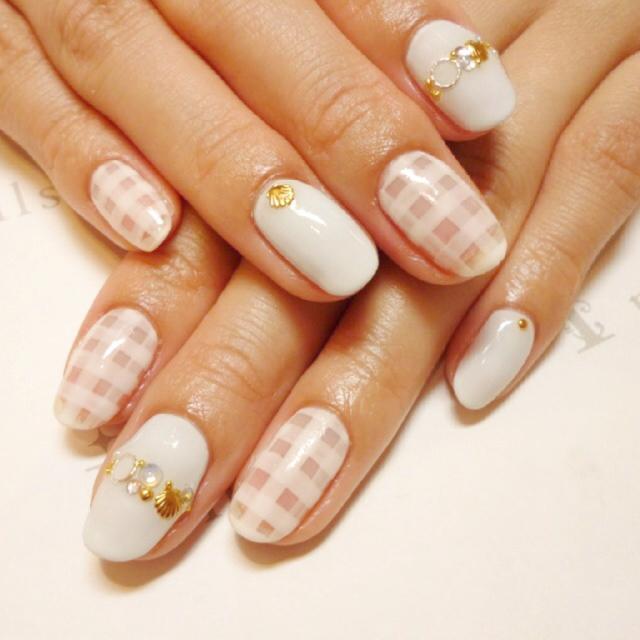 【セルフネイル】春っぽカワイイ♡チェック柄ネイルのやり方のサムネイル画像