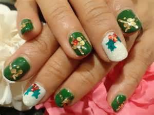ネオンの輝くクリスマス☆爪も簡単なクリスマスネイルでおしゃれに~のサムネイル画像