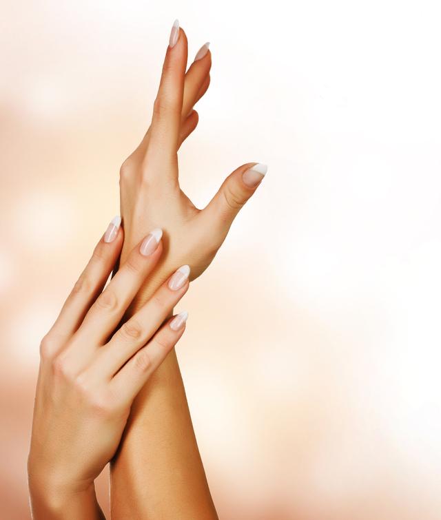 指先から綺麗に♡おすすめの人気のネイルオイルをご紹介しますのサムネイル画像